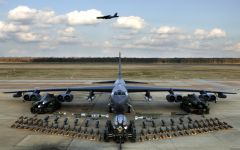 Tapeta ws_B52_bomber_payload_2560x1600.jpg