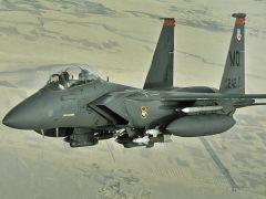 Tapeta ws_Boeing_F-15_Strike_Eagle_1024x768.jpg